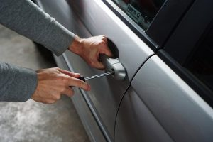 Quelles sont les procédures à suivre si une voiture est volée ?